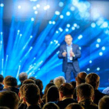 Veja como fazer um evento corporativo sem problemas técnicos