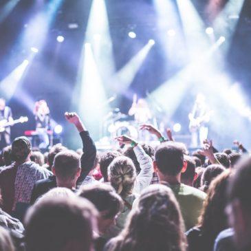 Você sabe como é montado um palco para eventos?