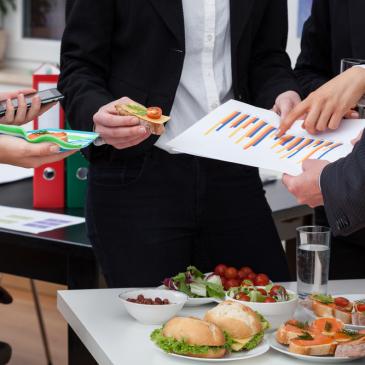 Veja mais sobre buffets para festas corporativas