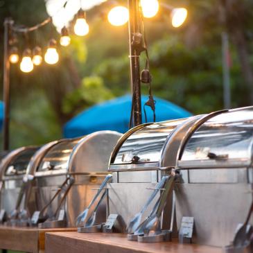 Serviços de buffet: curta a festa e deixe tudo por conta deles